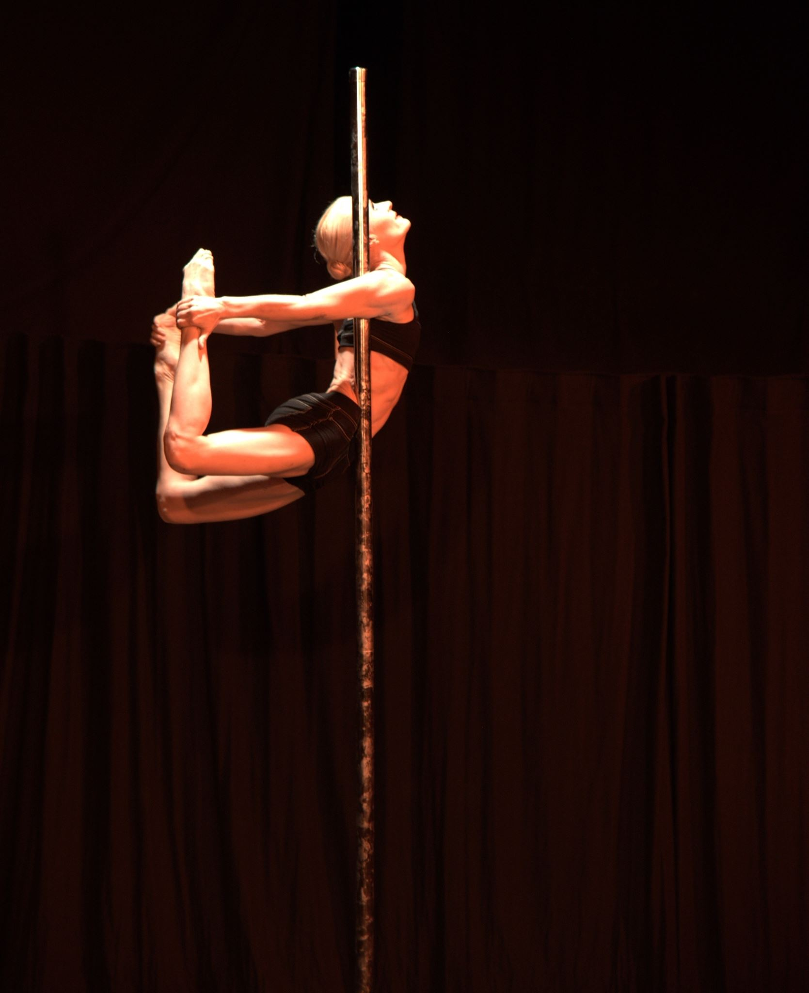 cirkadance gaby spectacle pole dance
